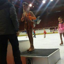 На Държавното първенство за наградите на БФ по Кънки 24-26.02.2017 Каролина Върбанова от 2