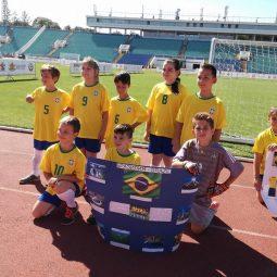 Участие на ученици от 2 и 3 клас в Мини световно футболно първенство 2018 на Национален стадион