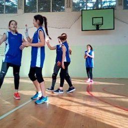 На районното първенство по волейбол момичетата 5-7 клас на 50. ОУ