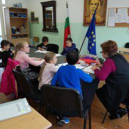 Редовно се провеждат интересни и полезни часове по Български език и литература по проект