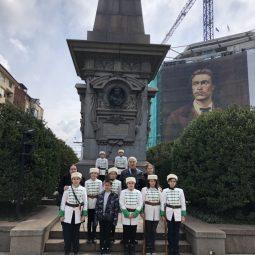 Почетен караул пред паметника на Апостола - Васил Левски